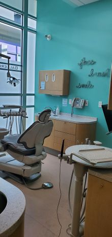 Examination room for dentists in London, ON - dentist London, ON